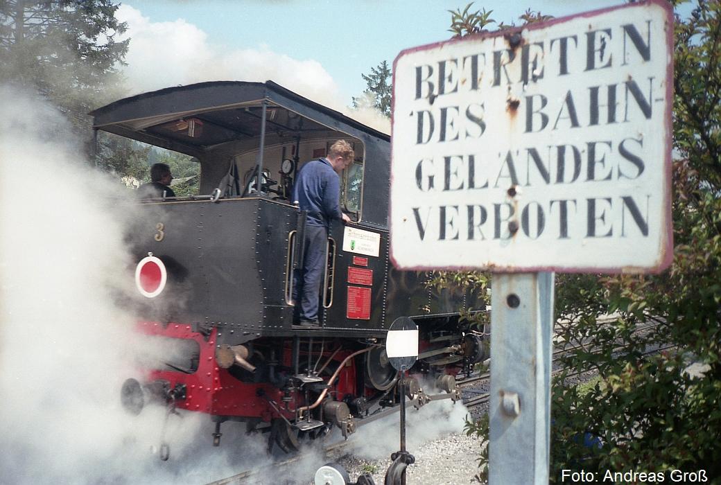 http://www.offenstall-kaltenborn.de/bilderhosting/klaus.gross/Achenseebahn_Lok_3_Jenbach_1991_A58_25