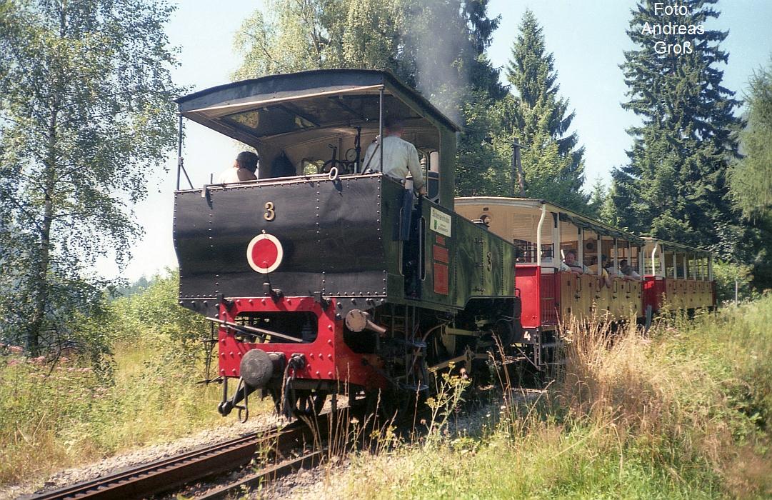 http://www.offenstall-kaltenborn.de/bilderhosting/klaus.gross/Achenseebahn_Lok_3_Jenbach_1991_A58_3