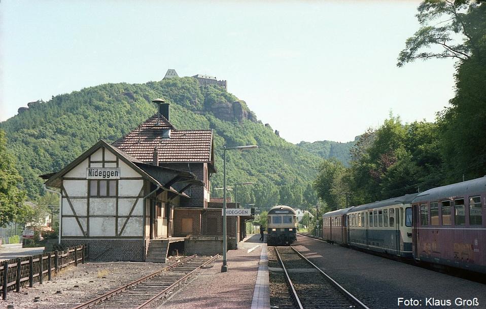 http://www.offenstall-kaltenborn.de/bilderhosting/klaus.gross/Bf_Nideggen_Zugkreuzung_1982_207_1A