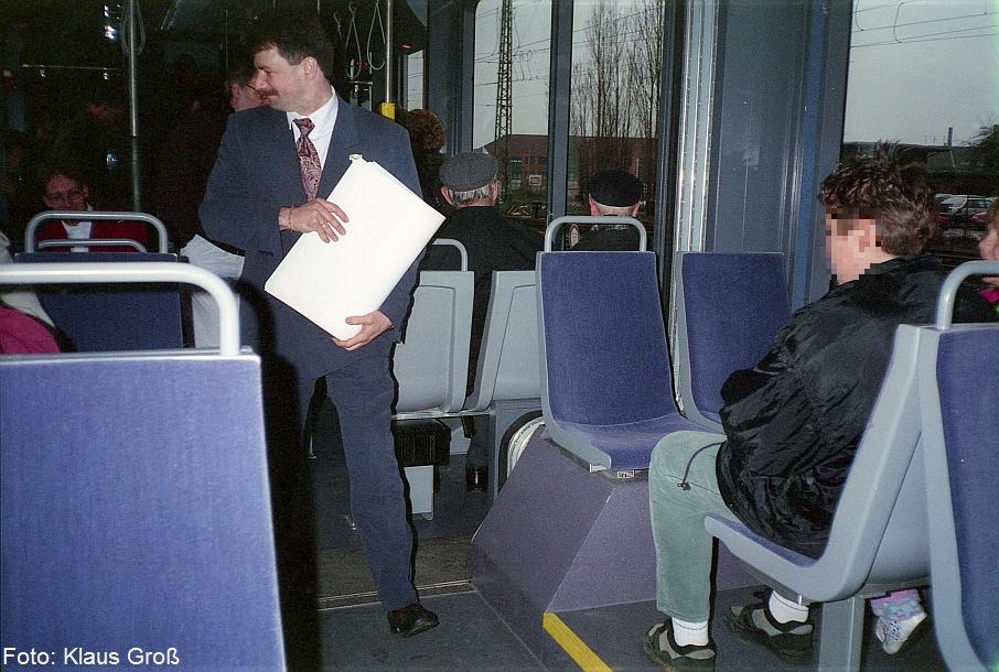 http://www.offenstall-kaltenborn.de/bilderhosting/klaus.gross/DKB_VT_6_001_1_Innenraum_1995_379_25