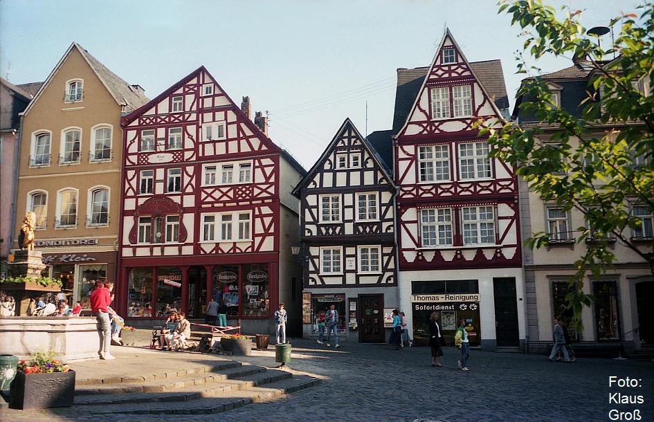 http://www.offenstall-kaltenborn.de/bilderhosting/klaus.gross/Hachenburg_Westerwald_Markt_1988_276_18