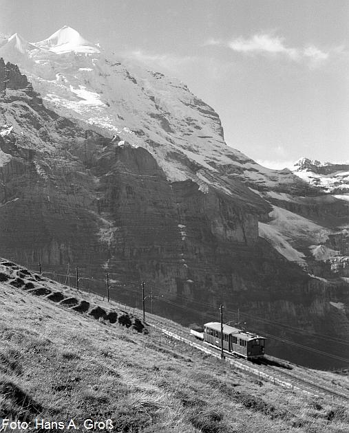 http://www.offenstall-kaltenborn.de/bilderhosting/klaus.gross/Jungfraubahn_vor_Silberhorn_16_9_1938_H100