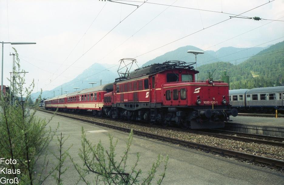 http://www.offenstall-kaltenborn.de/bilderhosting/klaus.gross/OeBB_1020_030_Mittenwald_1990_308_3HiFo