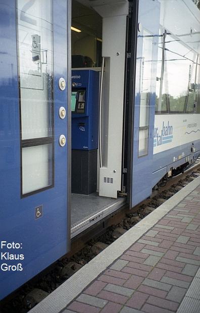 http://www.offenstall-kaltenborn.de/bilderhosting/klaus.gross/Rurtalbahn_VT_741_Dueren_Einstieg_2013_712_13