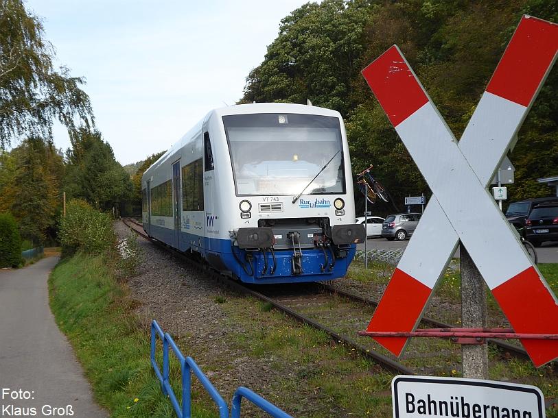 http://www.offenstall-kaltenborn.de/bilderhosting/klaus.gross/Rurtalbahn_VT_743_Obermaubach_19_10_2017