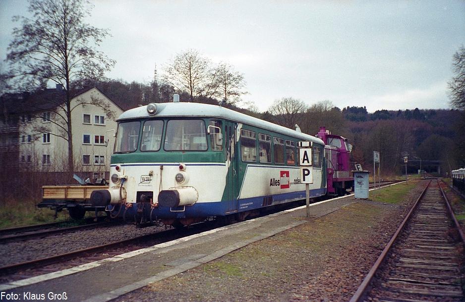 http://www.offenstall-kaltenborn.de/bilderhosting/klaus.gross/Wiehltalbahn_VT_1_Wiehl_14_12_2007_599_13