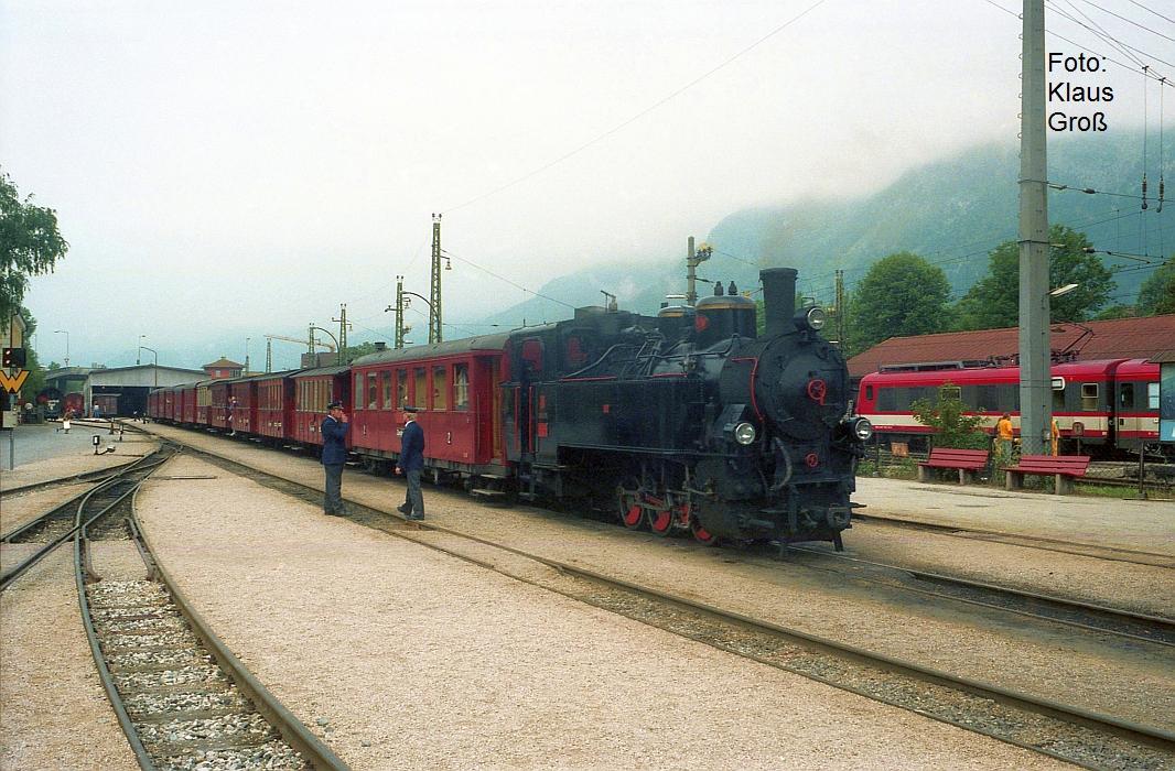 http://www.offenstall-kaltenborn.de/bilderhosting/klaus.gross/ZB_Lok_5_mit_Zug_in_Jenbach_1991_321_20