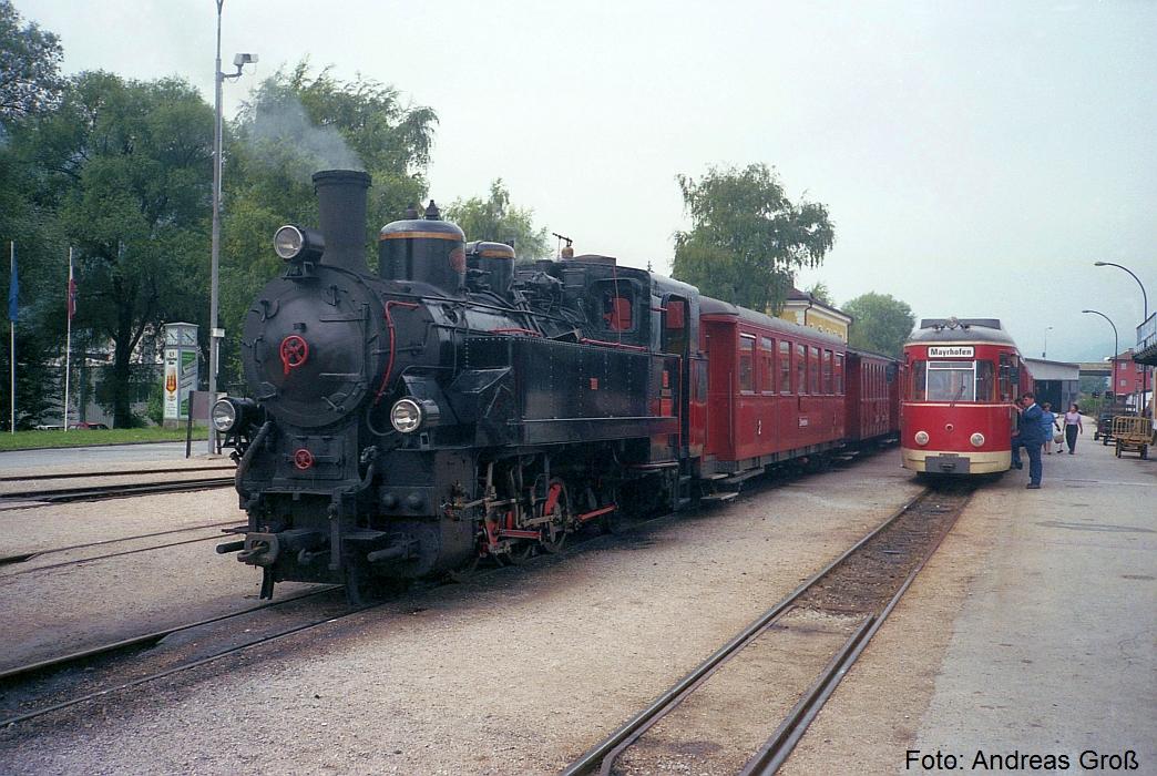 http://www.offenstall-kaltenborn.de/bilderhosting/klaus.gross/ZB_Lok_5_mit_Zug_und_VT_1_Jenbach_1991_A56_56_25