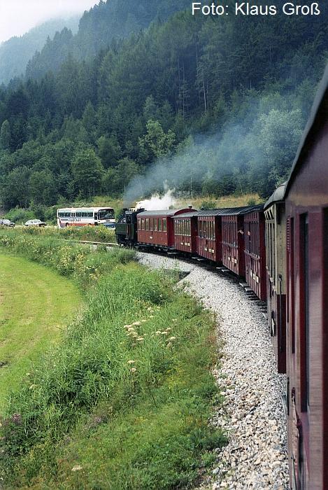 http://www.offenstall-kaltenborn.de/bilderhosting/klaus.gross/ZB_Lok_5_vor_Zug_n_Mayrhofen_1991_321_22