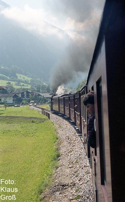 http://www.offenstall-kaltenborn.de/bilderhosting/klaus.gross/ZB_Lok_5_vor_Zug_n_Mayrhofen_1991_323_4