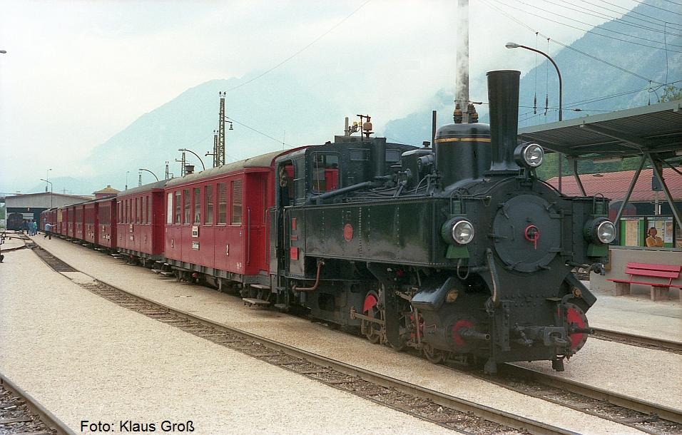 http://www.offenstall-kaltenborn.de/bilderhosting/klaus.gross/Zillertalbahn_Lok_3_Jenbach_1987_269_1