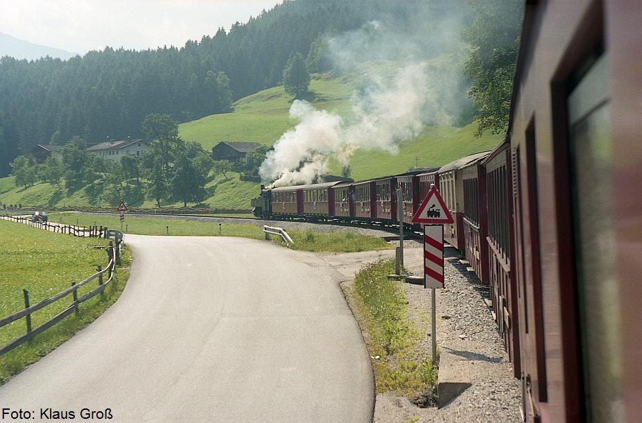 http://www.offenstall-kaltenborn.de/bilderhosting/klaus.gross/Zillertalbahn_Lok_3_zw_Jenbach_u_Mayrhofen_1987_269_1
